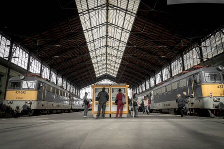Photo pour Nyugati Train Station in Budapest, April 2018 - image libre de droit