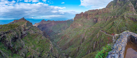 Photo pour Ancient fort overlooking Masca village situated in a picturesque valley, Tenerife, Canary Islands, Spain. - image libre de droit