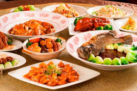 Foto de Festival fortune lunch or dinner buffet in Chinese style in asia - Imagen libre de derechos