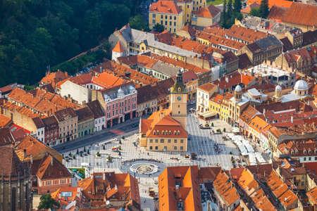 Photo pour Aerial view of the Old Town, Brasov, Transylvania, Romania - image libre de droit