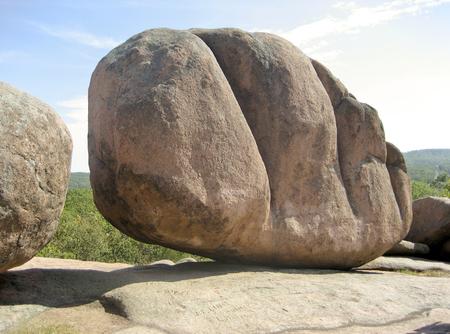 Photo pour Huge Boulder at Elephant Rocks State Park - Missouri USA - image libre de droit
