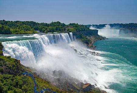 Niagara Falls in New York and Canada