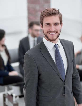 Photo pour Handsome business man working at the office. - image libre de droit