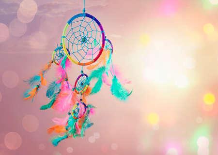 Photo pour Dream catcher and abstract bokeh background - image libre de droit