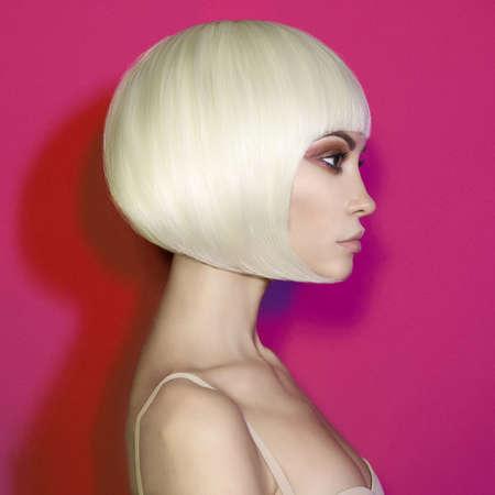 Foto per Art fashion studio portrait of beautiful blonde with short haircut - Immagine Royalty Free