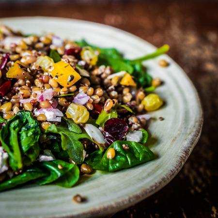 Photo pour healthy salad - image libre de droit