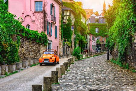 Foto de View of cozy street in quarter Montmartre in Paris, France - Imagen libre de derechos