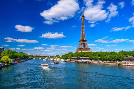 Photo pour Paris Eiffel Tower and river Seine in Paris, France. Eiffel Tower is one of the most iconic landmarks of Paris. Cityscape of Paris - image libre de droit