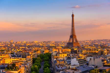 Photo pour Skyline of Paris with Eiffel Tower in Paris, France. Panoramic sunset view of Paris - image libre de droit