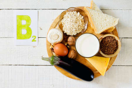 Foods that contain vitamin B 2: mushrooms, walnuts, milk, buckwheat Grup, oatmeal, bread, cheese, eggs, eggplant,