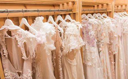 Photo pour white wedding dresses - image libre de droit