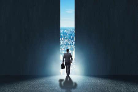 Photo pour Businessman walking towards his ambition - image libre de droit