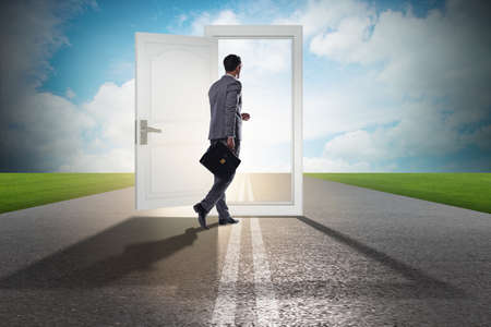 Foto de Businessman in front of door in business opportunities concept - Imagen libre de derechos