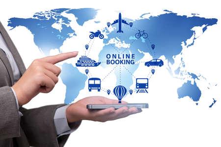 Photo pour Concept of online booking for trip - image libre de droit