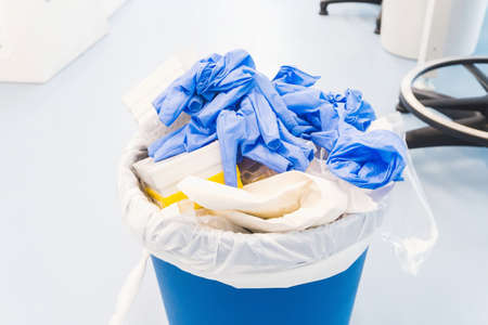 Photo pour Danger laboratory chemical and medical waste. Plastic waste and ecology - image libre de droit