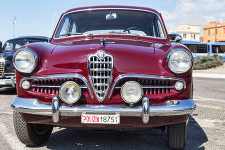 Photo pour Rome,Italy - September 30, 2018: 50th anniversary of the foundation of the National Association of State Police, an outdoor exhibition of Alfa Romeo company vintage cars with famous model Giulietta 1300 TI - image libre de droit