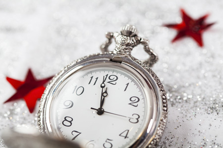 Photo pour New Year's at midnight - Old clock with snowflakes - image libre de droit