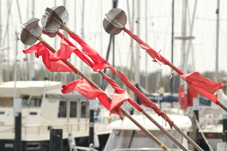 Flags for gillnets