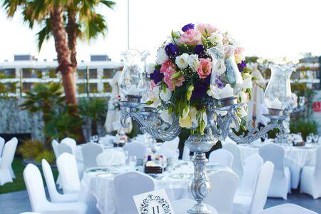 Foto für Luxury wedding decorated round tables - Lizenzfreies Bild