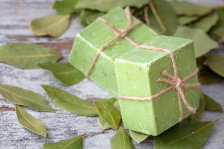 Photo pour Daphne leaves and daphne soap - image libre de droit