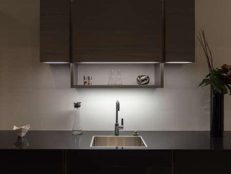 Photo pour Sylish and Elegant Kitchen Counter - image libre de droit