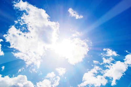 Photo pour Shining sun at clear blue sky - image libre de droit