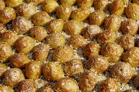 baking plate with sesame potatoes