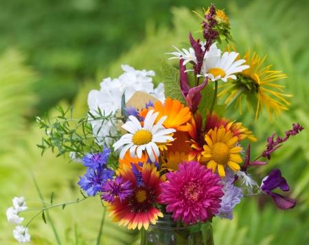 Photo pour Bright colorful bouquet of garden and wild natural flowers, selective focus - image libre de droit