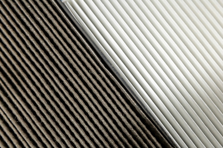 Photo pour Close up, clean and dirty cabin air filter for car. car air filter texture and background - image libre de droit