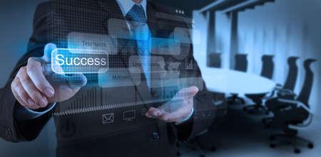 Photo pour businessman hand draws business success chart concept on virtual screen - image libre de droit