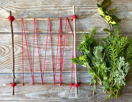 Grass weaving, creative, childrens craft step by step.