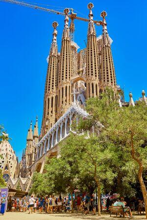 Foto de Barcelona, Spain - June 30, 2019: Sagrada Familia church in Barcelona. Church of the Holy Family - Imagen libre de derechos