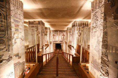 Foto de Tomb in Valley of the Kings, Luxor City, Egypt - Imagen libre de derechos