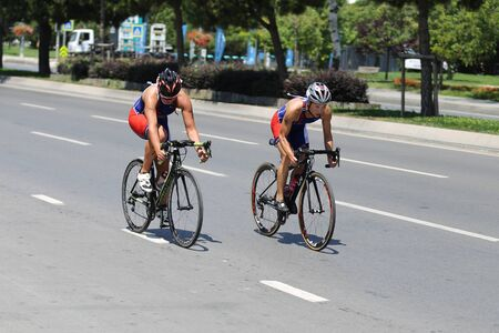Photo pour ISTANBUL, TURKEY - AUGUST 03, 2019: Athletes competing in cycling component of Istanbul ETU Triathlon Balkan Championships - image libre de droit