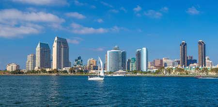 Photo pour San Diego skyline CA USA - image libre de droit