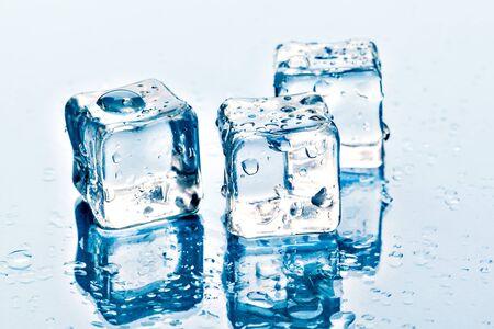 Photo pour ice cubes on white background. Creative photo. - image libre de droit