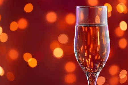 Photo pour Close up photo of full Champagne glass - image libre de droit