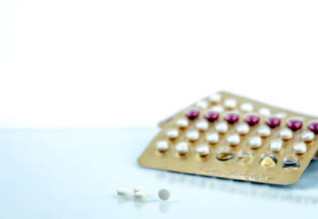 Photo pour Oral contraceptive pills. Birth control pills. Hormones for contraception. Family planning, hormonal acne, gynecologist concept. Ovulate on birth control pills. Pharmaceutical industry. Tablets pill. - image libre de droit