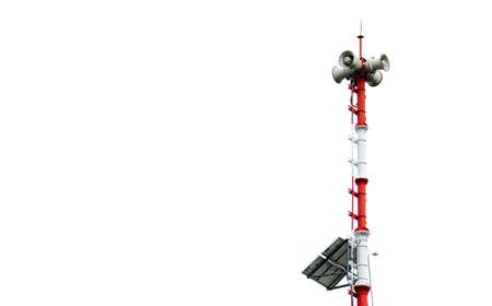Foto de Tsunami Warning System. Broadcast tower with solar panels. Pole of Tsunami warning system at beach. Tsunami siren warning loudspeakers. Hall alarms Coast. Disaster warning technology. Horn speaker. - Imagen libre de derechos