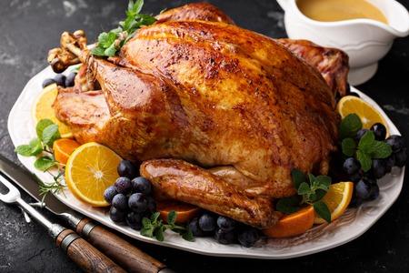 Photo pour Festive celebration roasted turkey for Thanksgiving - image libre de droit