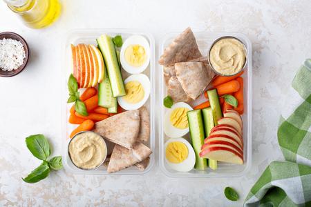 Foto de Healthy and nutricious lunch or snack boxes - Imagen libre de derechos