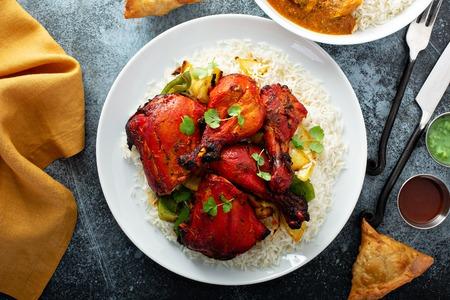 Photo pour Whole tandoori chicken - image libre de droit