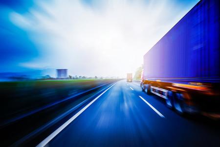 Photo pour Container Trucking - image libre de droit