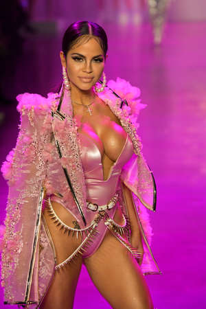 Foto per NEW YORK, NEW YORK - FEBRUARY 09: Singer Natti Natasha walks the runway for The Blonds during NYFW: The Shows at Gallery I at Spring Studios on February 09, 2020 in NYC - Immagine Royalty Free