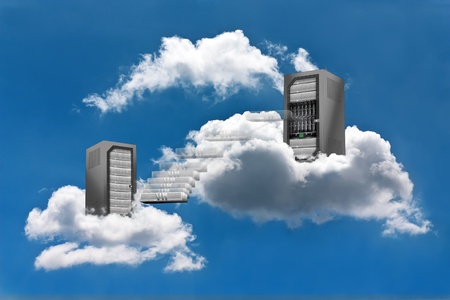 Foto de A Virtual Machine moves from a cloud Server Rack to the other - Imagen libre de derechos