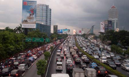 Foto de traffic jam in Jakarta, Indonesia - Imagen libre de derechos