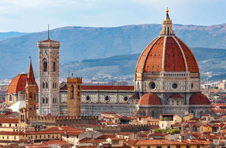 Foto de FLORENCE in Italy with the great dome of the Cathedral called Duomo di Firenze - Imagen libre de derechos