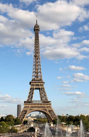 Photo pour Great View of Eiffel Tower from Trocadero Area in Paris France - image libre de droit