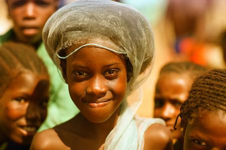 Photo pour African girl, smiling - image libre de droit