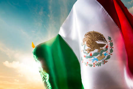 Photo pour Mexican Flag with dramatic lighting, Independence day, cinco de mayo celebration - image libre de droit